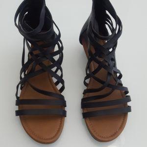 American Eagle Gladiator sandals size 8.5